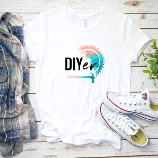 White T-shirt with DIYer text